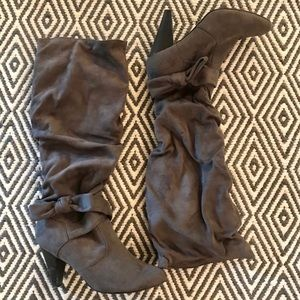 DIBA Slouchy Gray Boots with Bow